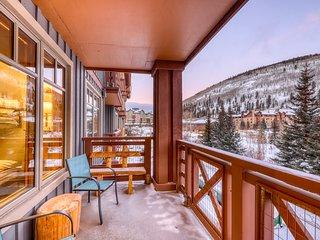 NEW LISTING! Resort condo w/ shared hot tub, gym, tennis, golf - walk to lifts!
