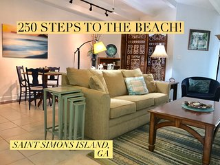 Location! 250 Steps to Best Beach - Private Townhouse - 10% discount 7 nights!