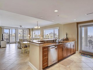 Meridian 504 West - Luxury Condo w/ Water Views!