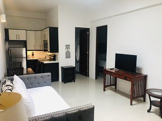 Comfortable 1 bedroom for 4 -Heart of City
