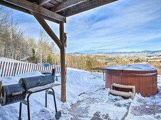 Gore Pass Kremmling Cabin w/ Hot Tub + Mtn Views!