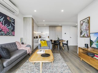 Boutique north-facing apartment with serious views