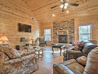 NEW! Woodland Cabin w/ Hot Tub, 5 Miles to Helen!