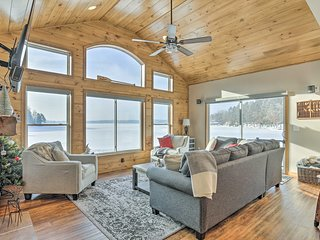 NEW! Waterfront Northwoods Cabin on Bearskin Lake!