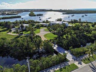 A Castle on An Island  Your Santuary Retreat   Key West   Sleeps 24