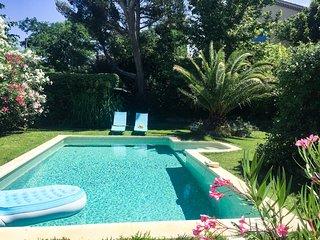 Chalet en Sorgues entre Carpentras y Avignon, piscina y bonito exterior