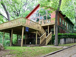 Cliffside Inn Guest House- Great River Road Location! Lower level!