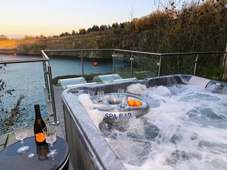 Jackdaw Quarry Retreat - Hot tub, Sauna, Dog friendly, Lake District, Top views