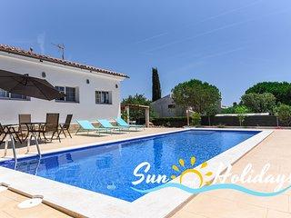 Villa Emilia con piscina privada para 8 personas a 700m de la playa ref 168