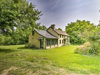 NEW! Home w/Kayak, 0.5 mi to Shenandoah River!