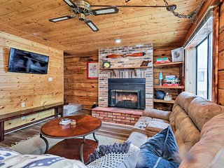 Fully Remodeled Munds Park Woodland Cabin Getaway!