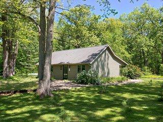 *NEW OPEN JAN 2020* WOODLAND PINES COTTAGE-COZY-S. HAVEN/SAUGATUCK AREA