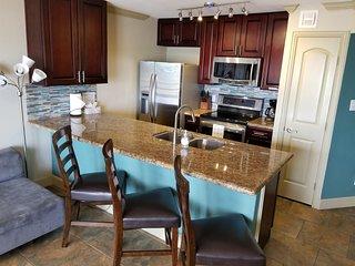 Romantic Gulf View Luxury Resort Condo 3 Pools 318