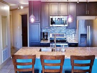 Luxury Galveston Condo, Ocean View, 3 Pools, Heated Pool, BBQ Grills 16