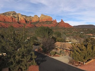 Amazing Views! Private Hot Tub! Great Location! Tonto - S073