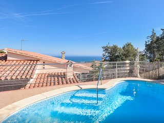 OS HomeHolidaysRentals Solans - Costa Barcelona