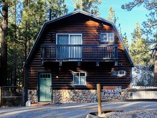 Juniper Creek Fresh 3 BR Fox Farm Cabin/Pool Table