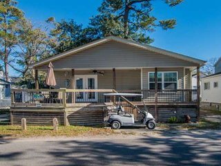 In the Heart of Ocean Lakes, Redecorated 2Br, Golf Cart Included