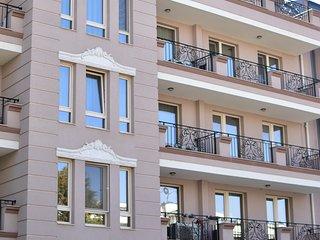 Kapana Luxury City Center Apartment with Free Garage