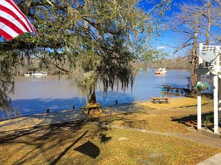 Louisiana Vacation Rental On The Tickfaw River Near Baton Rouge & New Orleans