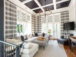 Highland Cottage - Custom Luxurious in Rosemary Beach, 4 Minutes to Beach