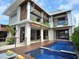 Indah Balangan Villa