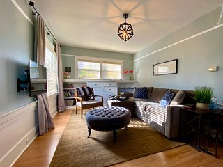 Boutique Bungalow Two by Waterfront -Walk to Ferry to San Francisco & Winetrain