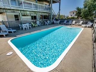 Beachcomber | 1420 ft from the beach | Dog Friendly, Private Pool, Hot Tub | Cor