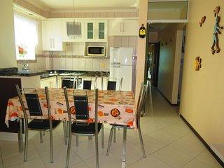 Cód 040 Apartamento para até 06 hóspedes em Bombinhas