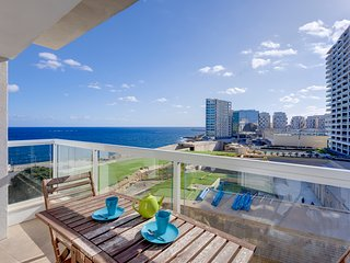 Modern Apartment with Stunning Seaviews, Best Area