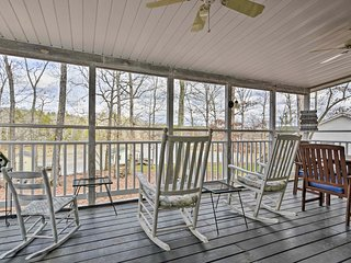 NEW! Waterfront Lodge on Lake Gaston: Swim + Fish!