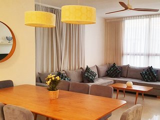 Charming 3 Bdr Apt - 2 min from the beach #TL51
