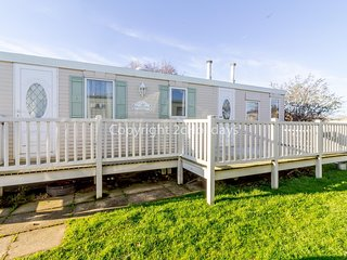Caravan for hire in Hunstanton at Manor park holiday park ref 23047B