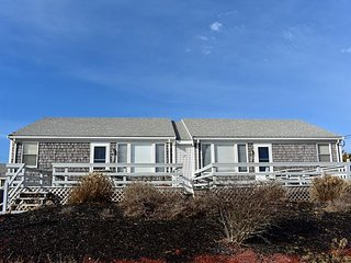 New 2020 duplex listing with rights to Fiddler's Green shared private beach