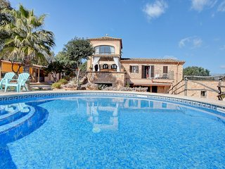 Villa Can Pujadas with stunning views over the countryside
