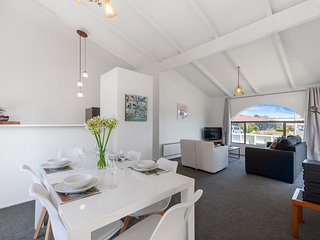 Heuheu Central Bach - Taupo Holiday Home, Abel Tasman National Park