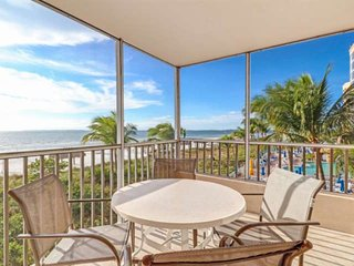 New Listing! Gorgeous Sunsets, Direct Gulf View, Beach Gear, Heated Pool, Free P