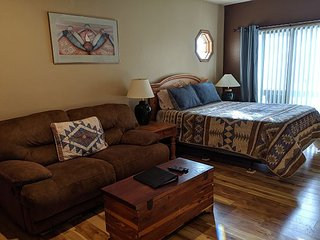 Updated Mountain Studio #340- Heated Pool - 4th Night Free - Free Ski Shuttle