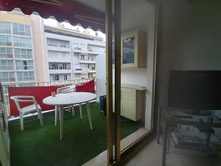 TWO BEDROOMS APARTEMENT CLOSE TO THE SEA WITH BALCONY AND PARKING