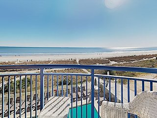 Wonderful oceanfront views from the Beautiful 1 bedroom (Renovation) !!!!!!!