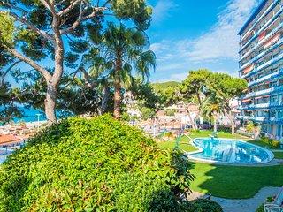 Rodalera Beach Apartment - Sea views with pool