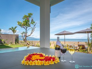 Villa Manik Segara (5): Premium 3BR villa Ocean/beach front, 340sqm2