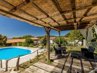 Stazzo ' Le Querce' house with pool!