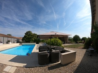 Fabulous! Spacious 5 bedroom house with heated pool set in beautiful countryside