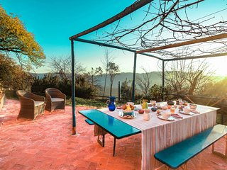 Beautiful farmhouse with swimming pool in the hills of Camaiore