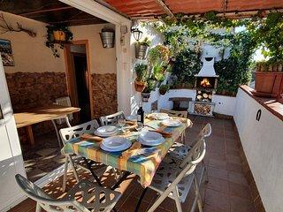 Atico con terraza y Barbacoa, Junto a Park Güell de Gaudi,  Bus y  Metro.