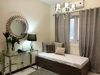 Luxurious 1br Across SM Megamall