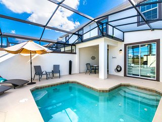 Dog-friendly townhome w/ private pool & resort water park - close to Disney!