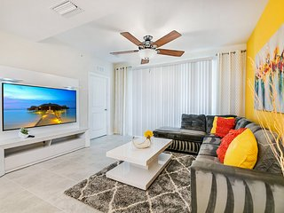 Stylish and dog-friendly condo with resort access, only 6 miles from Disney!