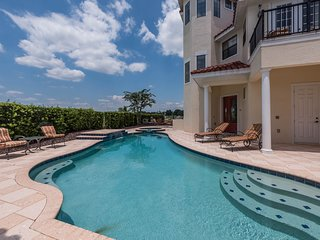 Luxury Reunion home near Disney w/panoramic water & golf views, and private pool